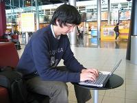 空港でメール